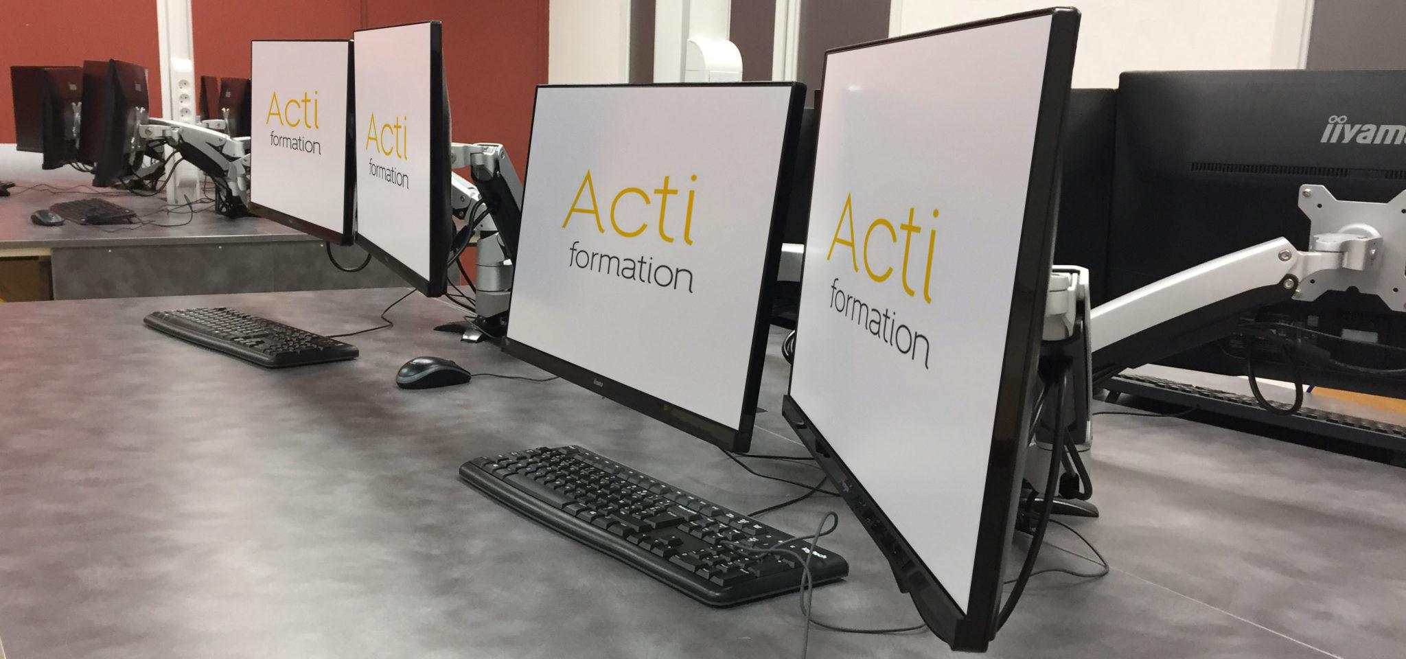 Salle-informatique-logiciel-formation